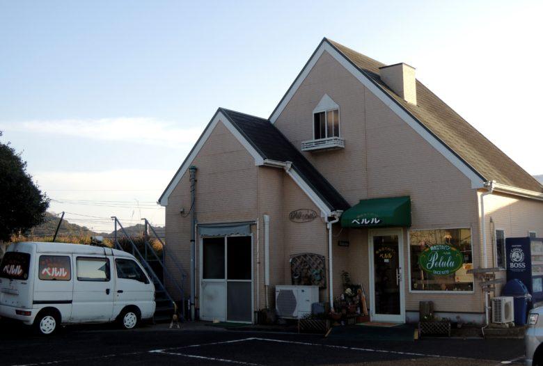 小串郷駅のパン屋