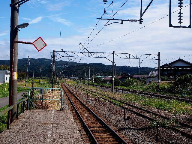 羽後岩谷駅1
