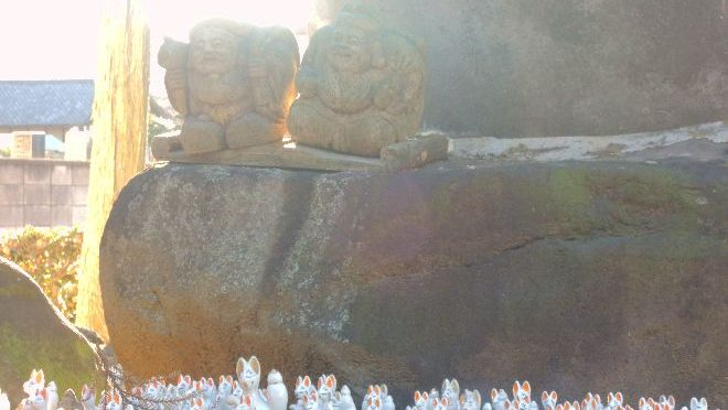 地図にもない安中の穴場スポット?明治天皇が座った石がある諏訪神社
