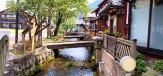 醒ケ井駅から居醒の清水・加茂神社へ。水と緑が織りなす癒しの風景