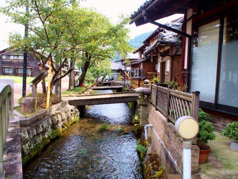 醒井宿の地蔵川