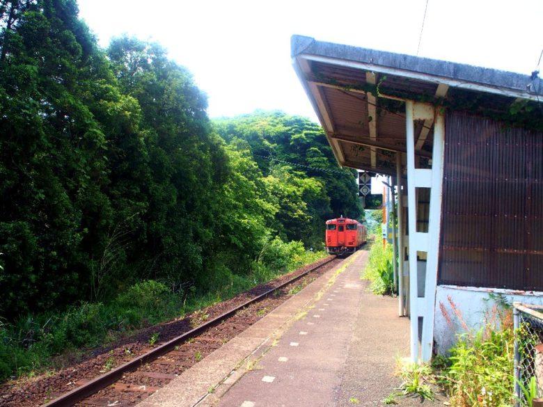 越ケ浜駅のホーム