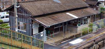 海の近くの木造駅舎!肥前七浦駅(長崎本線/佐賀県)が駅愛にあふれ美しかった話
