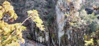 【写真34枚】天竜峡駅周辺を散策!吊り橋・幸せの鐘・龍角峯・観光案内所